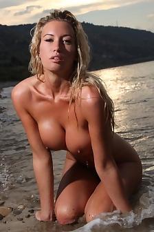 Nackt jeanine kunze Janine Kunze