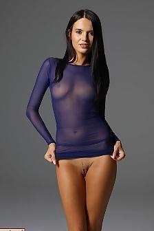 Nicole Linkletter  nackt