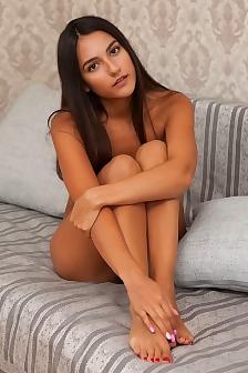Ls girl nude